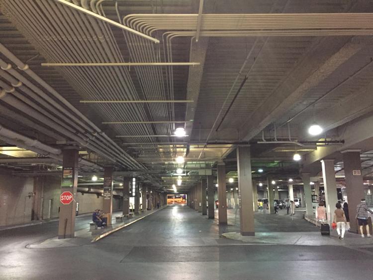 プラネッドハリウッド駐車場