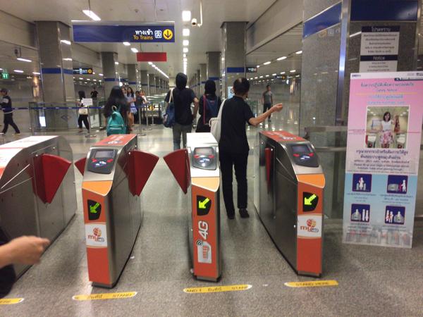 地下鉄移動_10
